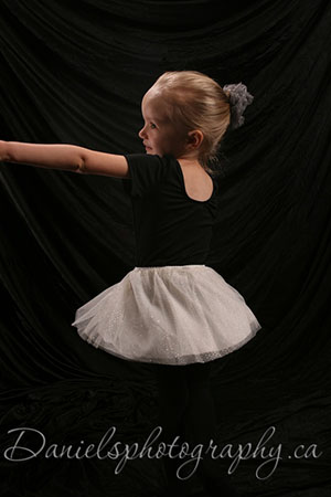 Portrait, Girl dancing