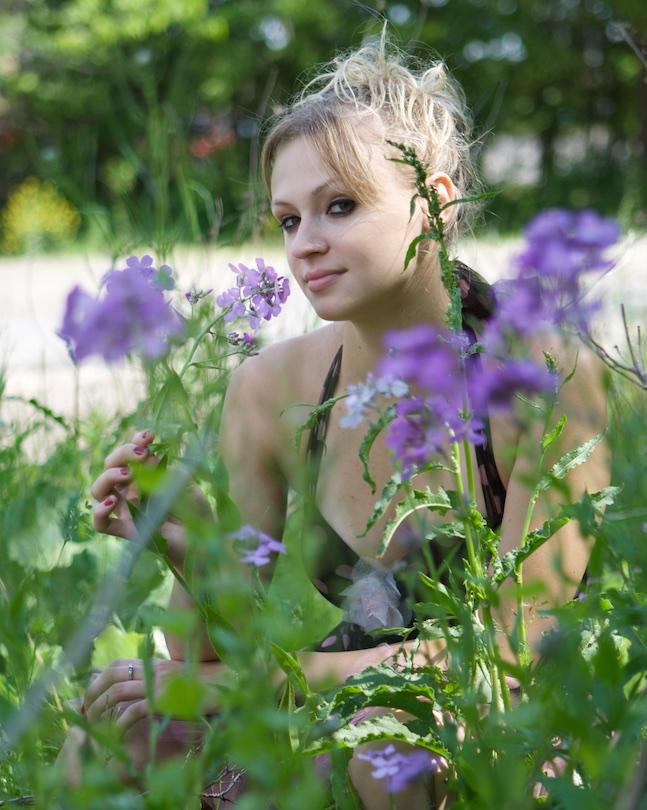 Women-Flowers
