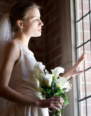 Wedding-bride-oakville-window-photo-by-daniel-szajkowski-hamilton-toronto.jpg