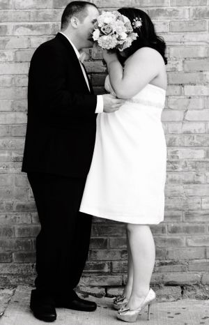 Wedding-couple-bouquet-toronto-burlington-photo-by-daniel-szajkowski-hamilton-toronto.jpg